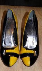 Туфли черно-желтые