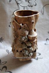 Красивая ваза с лепниной скульптурная