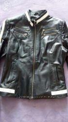 Куртка кожа, черный с белым, размер на 46-48