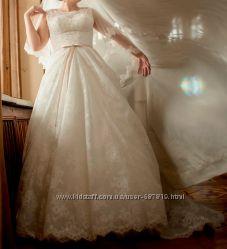 Плаття Tanya Grig з шлейфом
