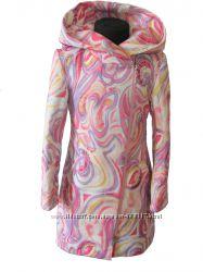 Яркое и красивое пальто на девочку.