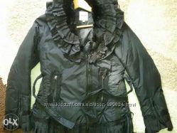 Moschino Деми куртка на пуху 40-42