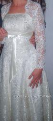 Платье свадебное 46-48р цвет  шампань