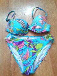 Яркий , летний купальник