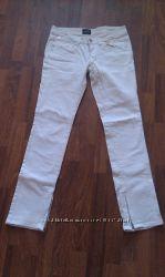 Белые джинсы OGGI 44 размер. Состояние новых