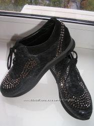 Кроссовки наткожа школьнице 36р 23, 5см стелька на узкую ногу супер Испания