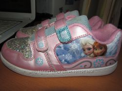 Фирменные кроссовки Disney Frozen Холодное серцеоригинал, р. 1, стелька 21.