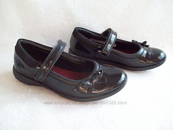 Туфли кожа лак Clarks, стелька 20,5 см.