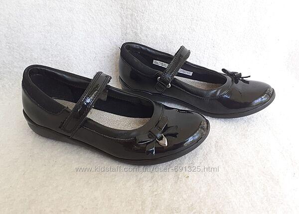 Туфли кожа лак Clarks, стелька 21,5 см.