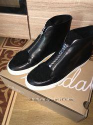 ботиночки Loeffler Randall, Испания