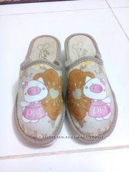 Тапочки домашние новые для девочки 35 размер свинка Пеппа