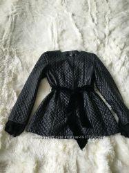 Стильная курточка с кружевом ткань под кожу