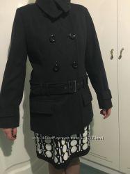 Оригинальное пальто guess