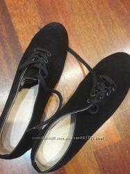 Натуральные замшевые ботинки. Внутри кожа. размер 40
