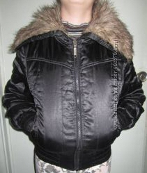 Стильная куртка с воротником под волка