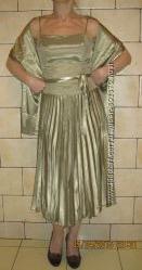 Платье нарядное эффектное