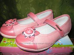 Туфли новые девичьи 33 размера