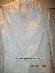 Новый белый льняной пиджак 38 размера евро