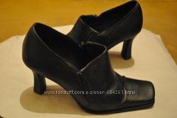 Классические кожаные туфли 35 р.