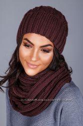 Комплект - милая, уютная и теплая шапочка и шарф-петля.