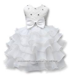 Нарядные праздничные пышные платья для девочек