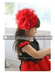 Обручи, шляпки, большие и маленькие цветы на заколках и ободках всё в налич