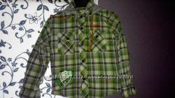 Новенькая рубашка на 95-105 см.