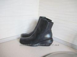 Новые кожаные сапожки. 6 B. по стельке-24 см.