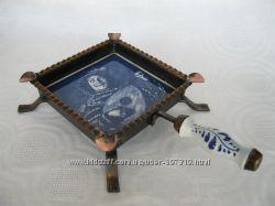 Пепельница в стиле Дельфт керамика металл медь
