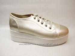 Туфли на шнурках черные золото серебро Наличие