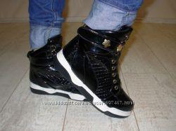 Ботинки женские черные лаковые демисезонные