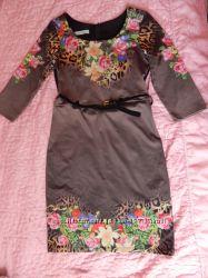 Очень красивое платье, состояние нового