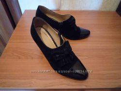 Красивые туфли 34-35 натуральная кожа и замш