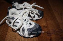 очень крутые кроссовки STRIDE RITE