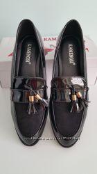 Акція Стильні лакові туфлі-лофери