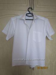 Продам белую классическую рубашку с коротким рукавом р. М