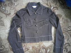 Куртка джынсывая красивая