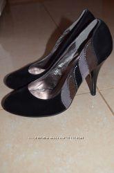 туфли новые замшевые чорного цвета 37 размер