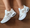 Кроссовки белые и серые, сетка