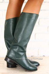 Сапоги кожаные на небольшом каблуке, изумрудного цвета