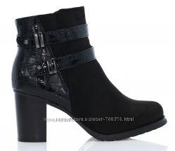 Ботинки черные под кожу рептилии, ремни