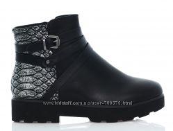 Ботинки черные  кожа змеи