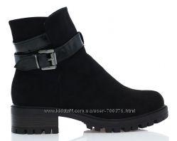 Ботинки черные, не большой каблук