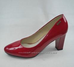 Туфли на устойчивом каблуке, красные