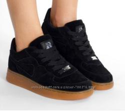 Кроссовки черные Хит