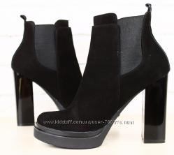 Ботинки демисезон черные замшевые на толстом устойчивом каблуке