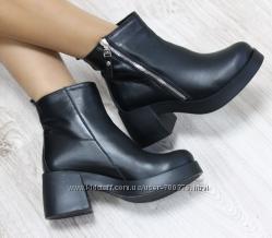 Ботинки кожаные на невысоком каблуке