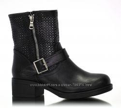 Ботинки черные, перфорация, пряжка