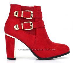 Ботинки на каблуке с ремешками, 3 цвета