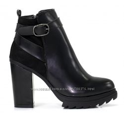Ботинки черные тракторы с ремешком